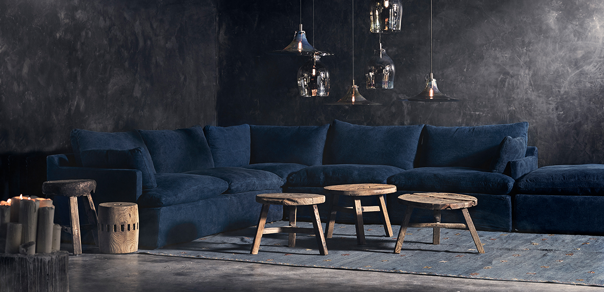THE OASIS SOFA: DISARMING COMFORT, A SLIGHTLY MORE SUPPORTIVE SEAT CONTOUR